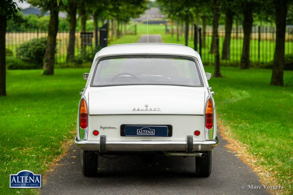Peugeot 404 Injection, 1965