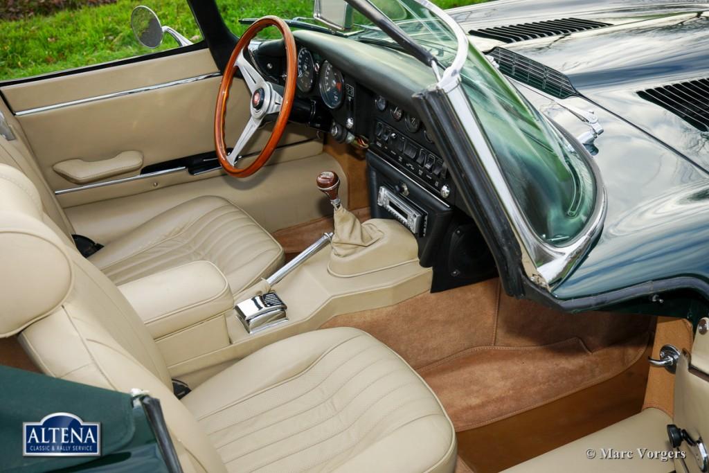 Jaguar E-Type Roadster, 1969